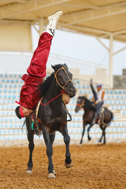 Thưởng thức tuyệt kỹ trên lưng ngựa của anh hào nữ kiệt Nội Mông - Ảnh 14.