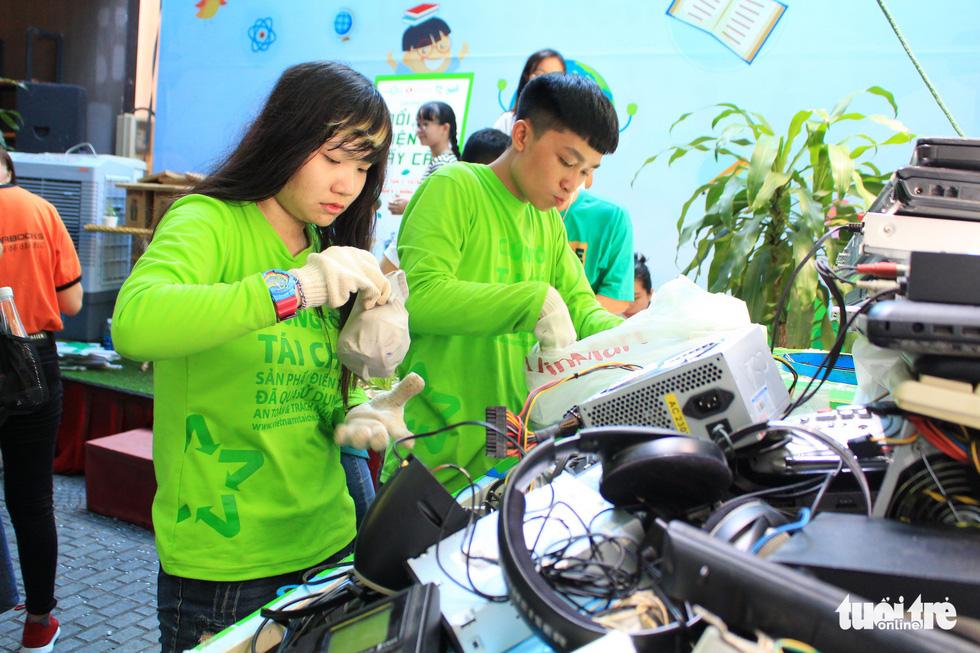 Đổi rác điện tử lấy cây xanh - Ảnh 5.