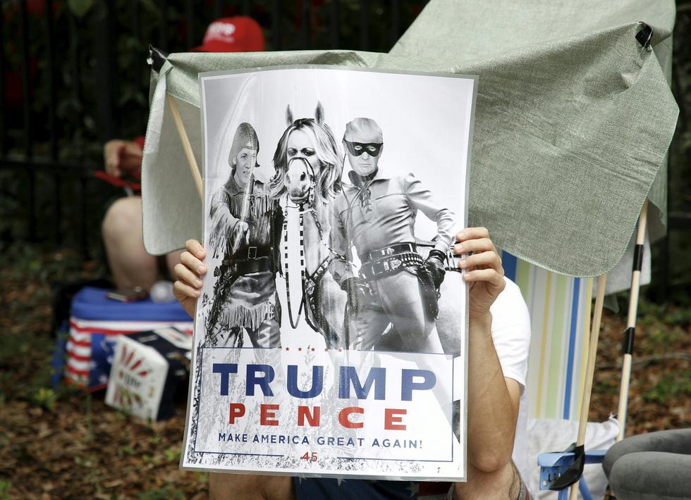 Xí chỗ chờ nghe ông Trump tuyên bố tái tranh cử  - Ảnh 9.