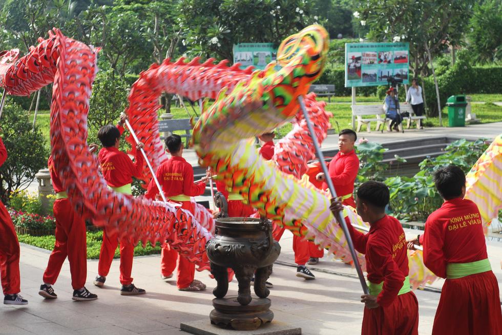 Rực rỡ lễ giỗ Đức Lễ Thành Hầu Nguyễn Hữu Cảnh - Ảnh 4.