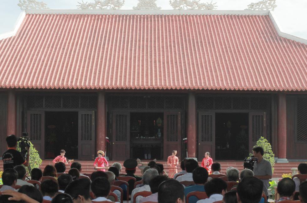 Rực rỡ lễ giỗ Đức Lễ Thành Hầu Nguyễn Hữu Cảnh - Ảnh 3.