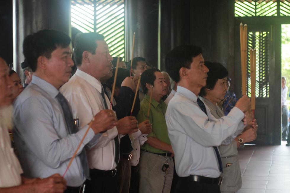 Rực rỡ lễ giỗ Đức Lễ Thành Hầu Nguyễn Hữu Cảnh - Ảnh 2.