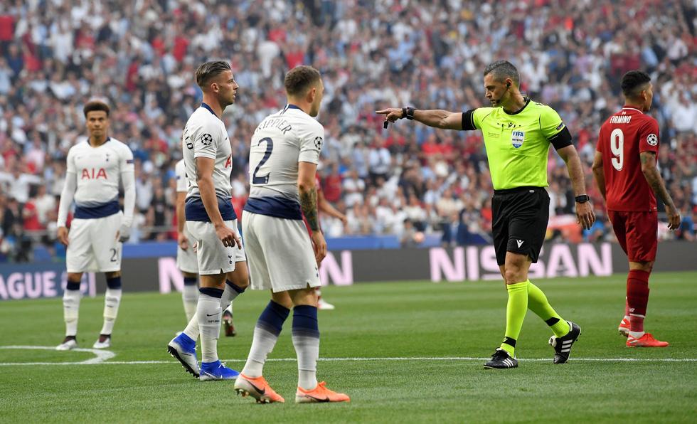 Liverpool tưng bừng ăn mừng chức vô địch Champions League - Ảnh 1.