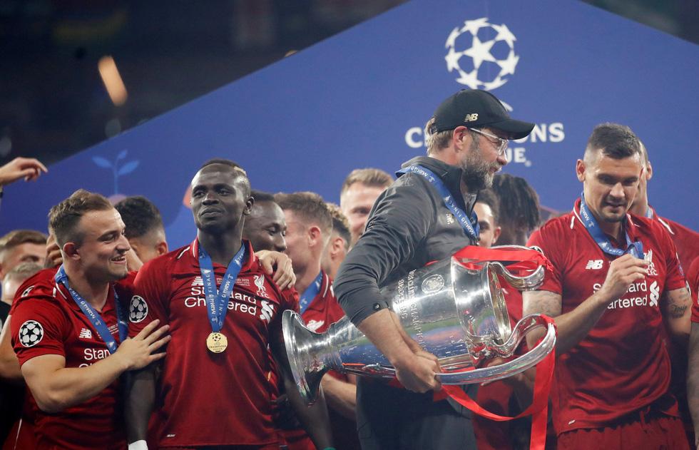Liverpool tưng bừng ăn mừng chức vô địch Champions League - Ảnh 15.