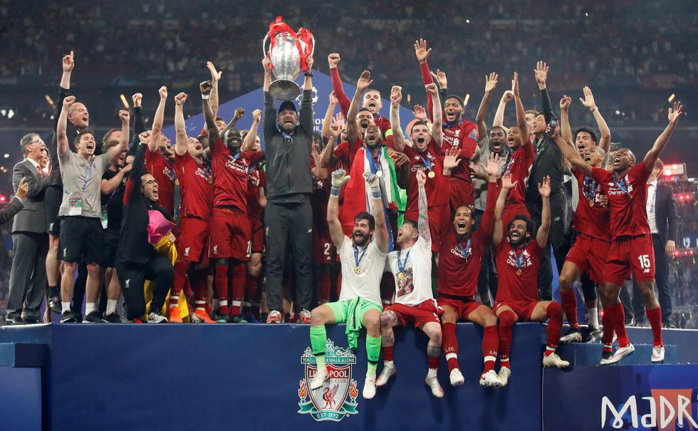 Liverpool tưng bừng ăn mừng chức vô địch Champions League - Ảnh 9.