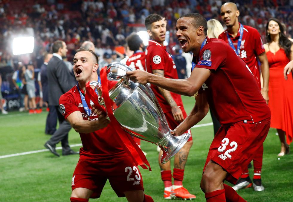 Liverpool tưng bừng ăn mừng chức vô địch Champions League - Ảnh 13.