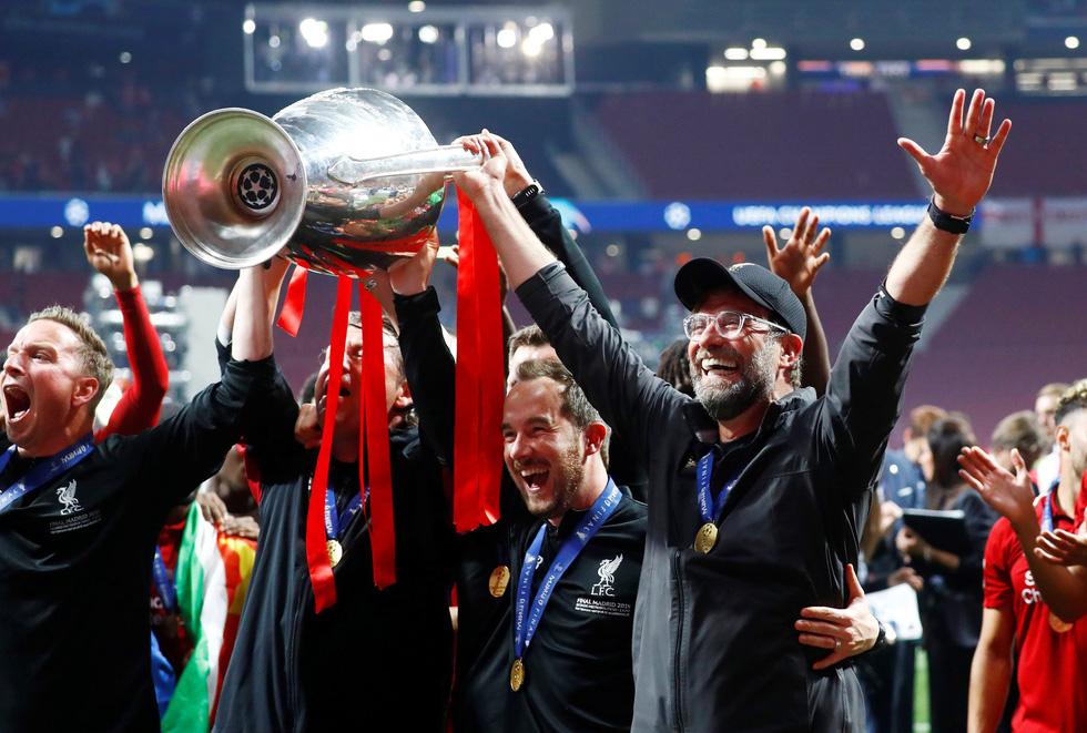 Liverpool tưng bừng ăn mừng chức vô địch Champions League - Ảnh 14.