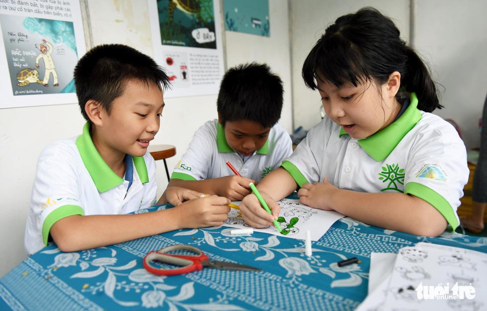Đổi sách cũ lấy cây xanh tại Ngày hội môi trường TP.HCM - Ảnh 5.