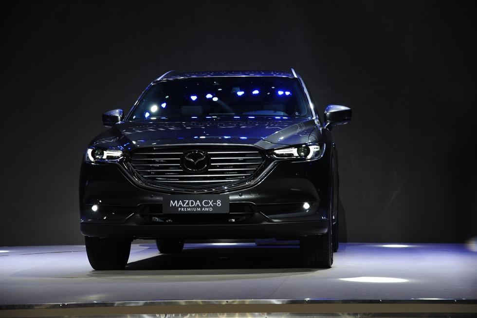Thaco ra mắt mẫu xe Mazda CX-8, giá từ 1,149 tỉ đồng - Ảnh 1.