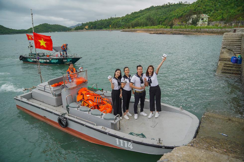 Hành trình Từ trái tim: Trao gửi khát vọng lớn đến thanh niên vùng biển đảo - Ảnh 1.
