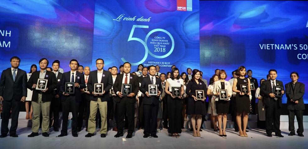 Vietjet trong top 50 công ty kinh doanh hiệu quả nhất Việt Nam - Ảnh 2.