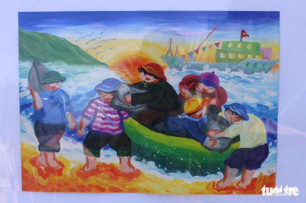 Ước mơ xúc động của trẻ em qua tranh vẽ Hoàng Sa, Trường Sa - Ảnh 19.