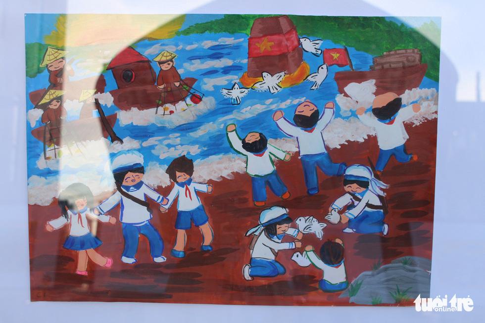 Ước mơ xúc động của trẻ em qua tranh vẽ Hoàng Sa, Trường Sa - Ảnh 23.