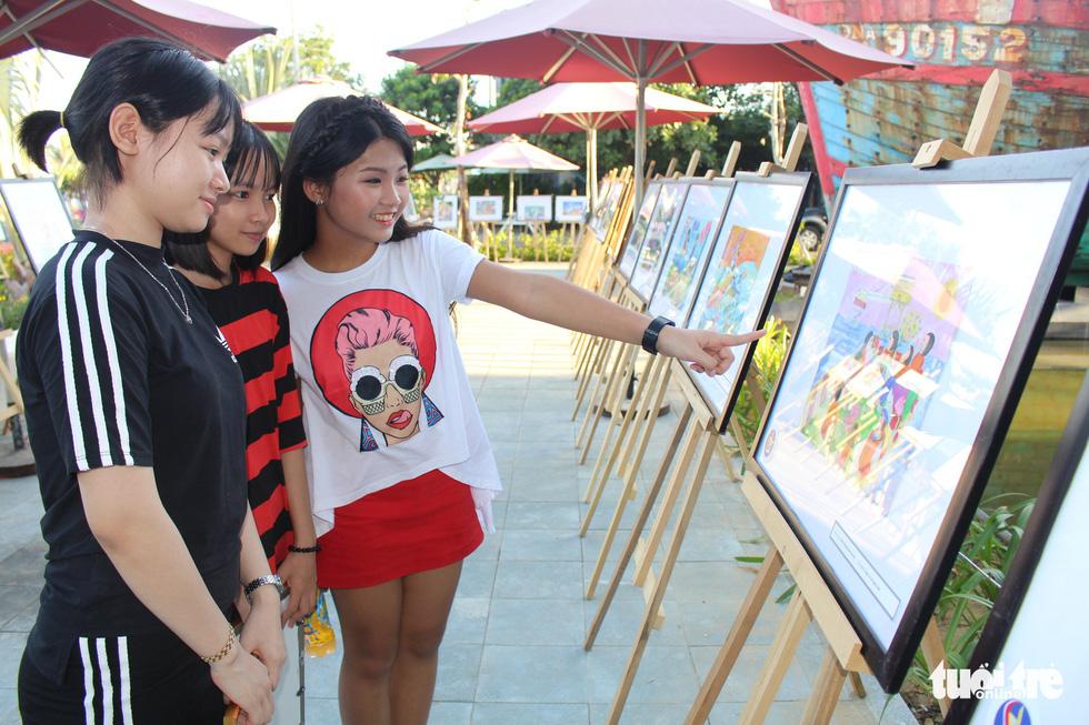 Ước mơ xúc động của trẻ em qua tranh vẽ Hoàng Sa, Trường Sa - Ảnh 2.