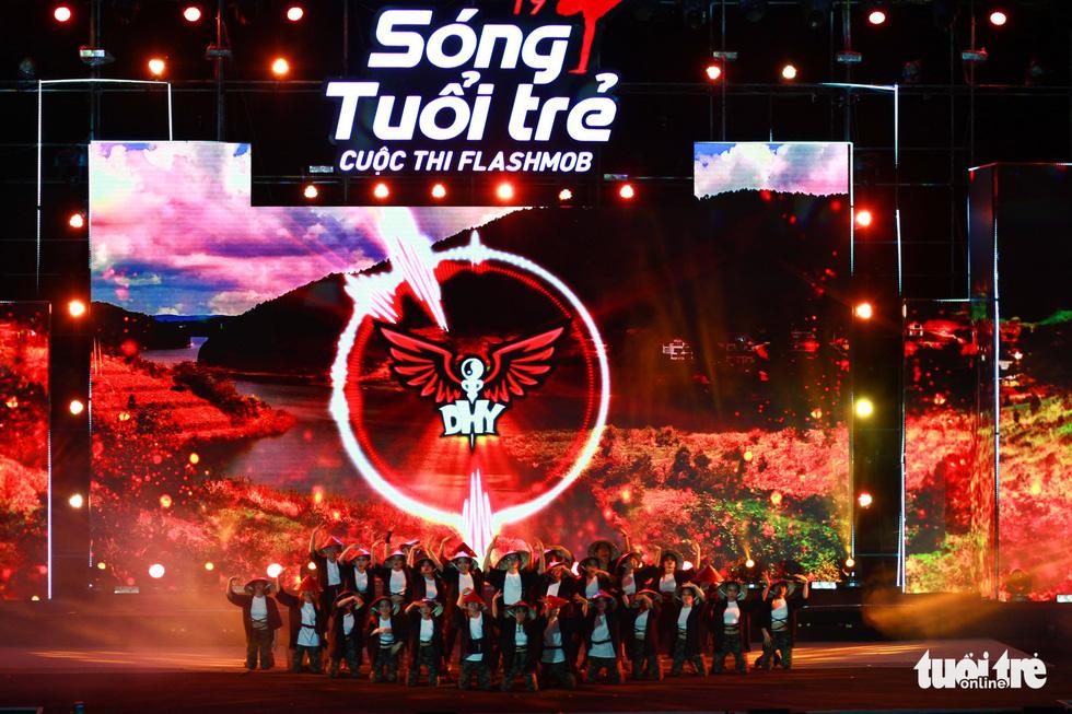 Bắt trend Để Mị nói cho mà nghe, giành giải nhất cuộc thi Flashmob - Ảnh 6.