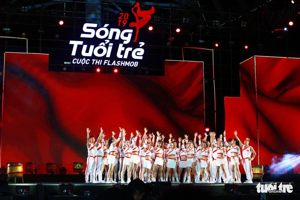Bắt trend Để Mị nói cho mà nghe, giành giải nhất cuộc thi Flashmob - Ảnh 8.