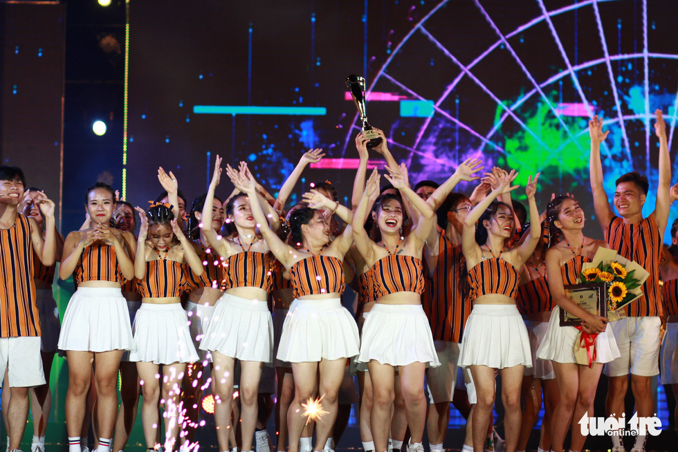 Bắt trend Để Mị nói cho mà nghe, giành giải nhất cuộc thi Flashmob - Ảnh 11.