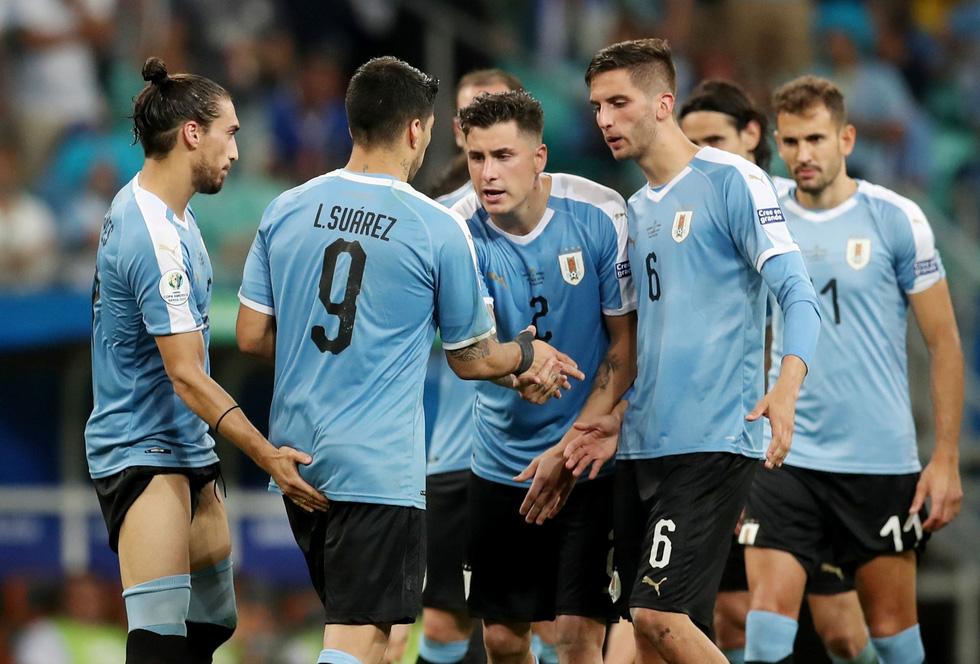Suarez sụp đổ sau khi đá hỏng luân lưu khiến Uruguay bị loại - Ảnh 3.