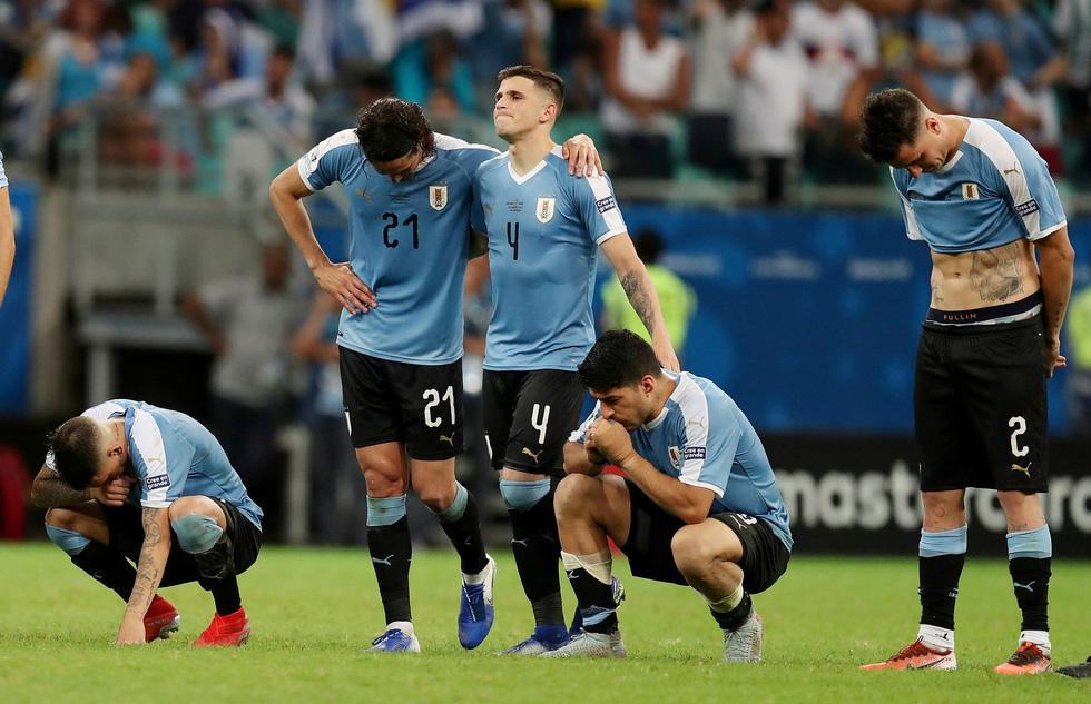 Suarez sụp đổ sau khi đá hỏng luân lưu khiến Uruguay bị loại - Ảnh 4.