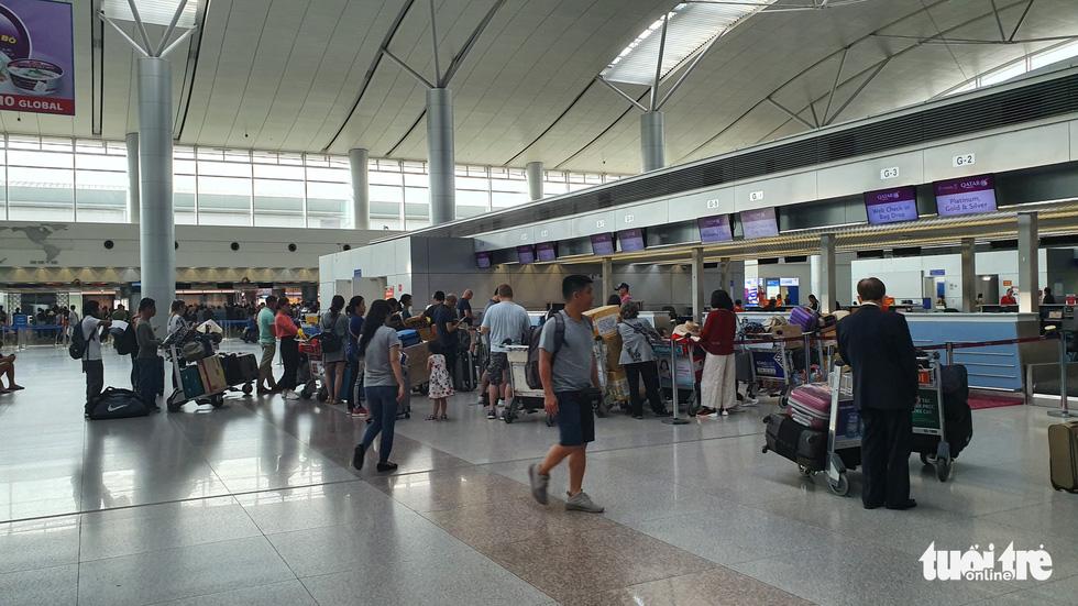 Trước ngày sân bay Tân Sơn Nhất tắt tiếng loa phát thanh, hành khách nói gì? - Ảnh 3.