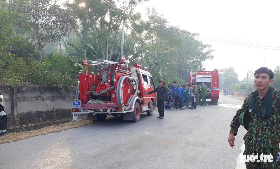 Quân dân căng mình ngày đêm chữa cháy cứu rừng - Ảnh 4.