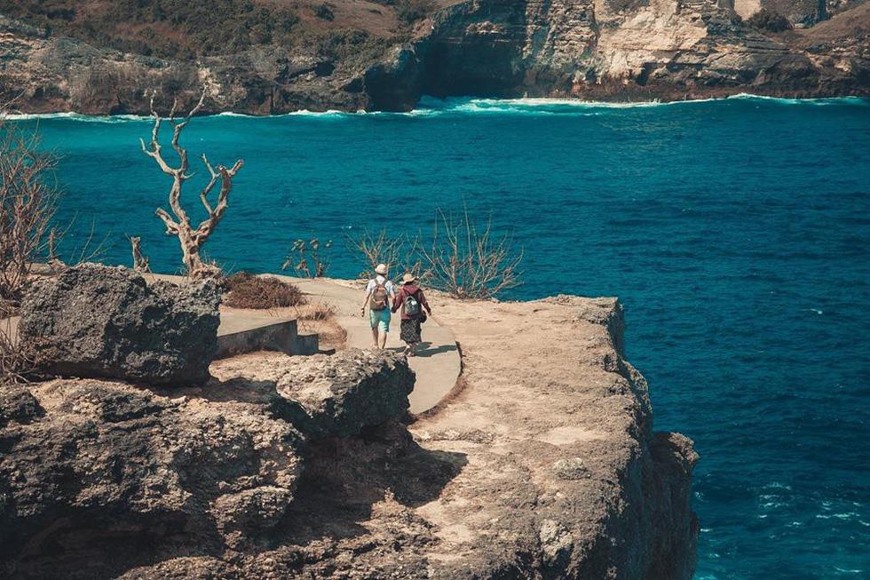 Thổn thức cùng sắc xanh trời biển của Nusa Penida - Ảnh 1.
