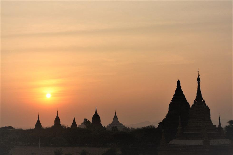 Những ngôi đền ngạo nghễ với thời gian ở cố đô Bagan - Ảnh 3.