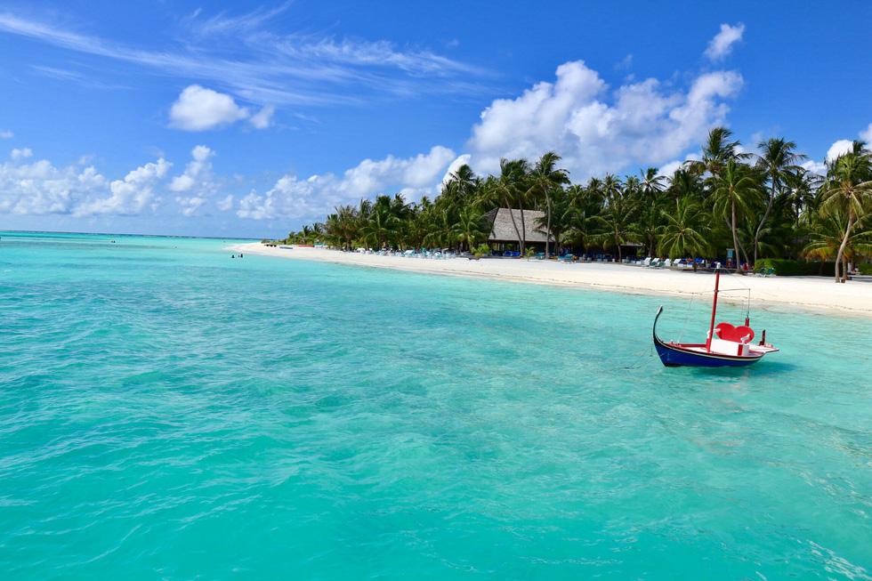 Đi bụi đến thiên đường Maldives - Ảnh 1.