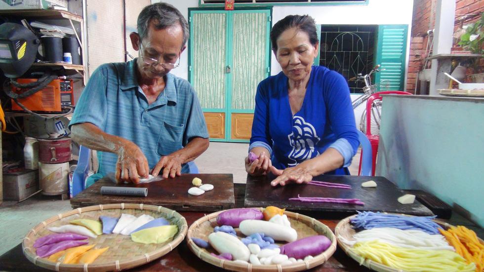 12 loại bánh dân gian ngon cỡ nào mà gia đình ông Trung nâng niu thế? - Ảnh 1.