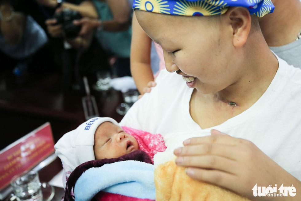 55 ngày diệu kỳ của mẹ Liên và bé Bình An - Ảnh 12.