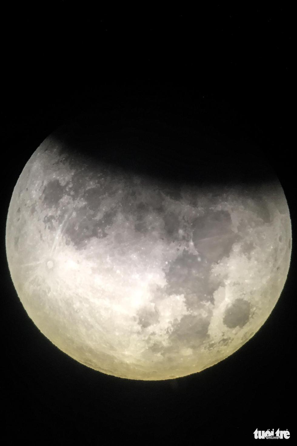 Ngắm nguyệt thực tại đài thiên văn lớn nhất miền Bắc - Ảnh 9.