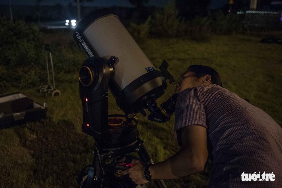Ngắm nguyệt thực tại đài thiên văn lớn nhất miền Bắc - Ảnh 6.
