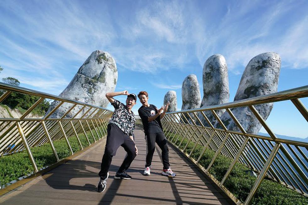6 YouTuber nổi tiếng thế giới đến Việt Nam bơi sông ngầm quảng bá du lịch - Ảnh 12.
