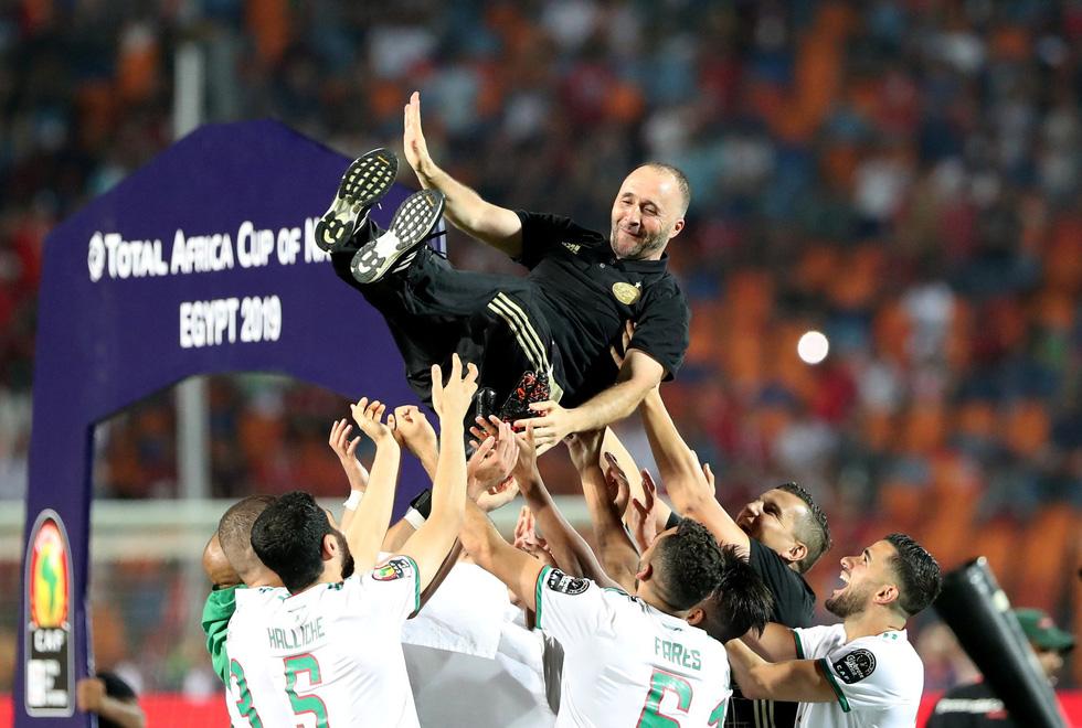 Algeria ăn mừng trong phấn khích sau khi lên ngôi vô địch CAN 2019 - Ảnh 6.