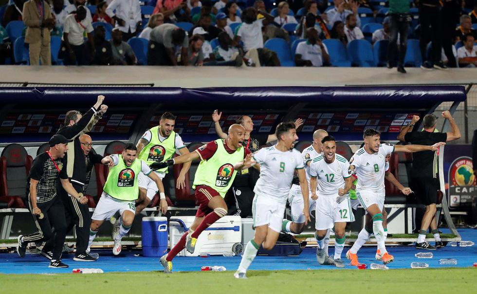 Algeria ăn mừng trong phấn khích sau khi lên ngôi vô địch CAN 2019 - Ảnh 2.