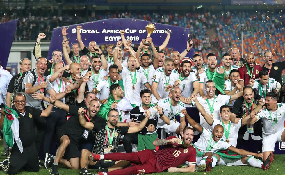 Algeria ăn mừng trong phấn khích sau khi lên ngôi vô địch CAN 2019 - Ảnh 10.