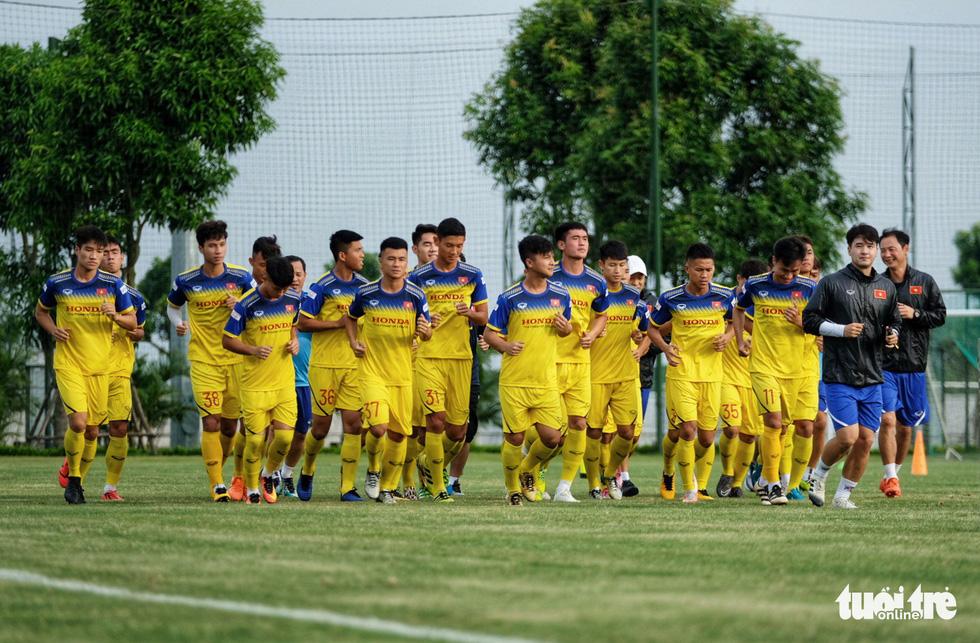 HLV Park Hang-seo hướng dẫn U22 Việt Nam chuẩn bị SEA Games 30 - Ảnh 1.