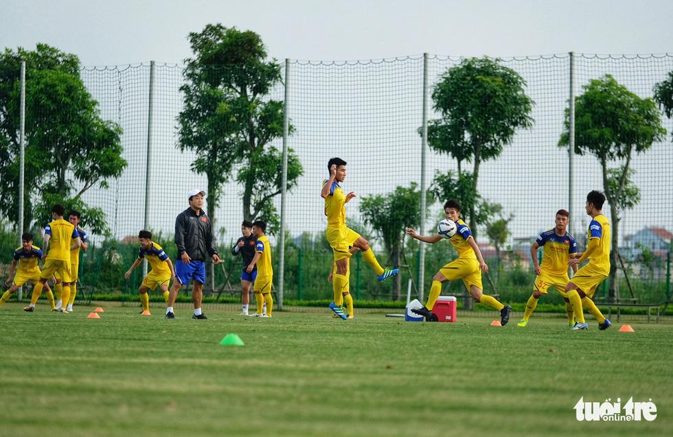 HLV Park Hang-seo hướng dẫn U22 Việt Nam chuẩn bị SEA Games 30 - Ảnh 5.