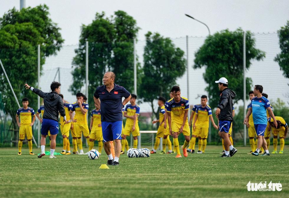 HLV Park Hang-seo hướng dẫn U22 Việt Nam chuẩn bị SEA Games 30 - Ảnh 4.