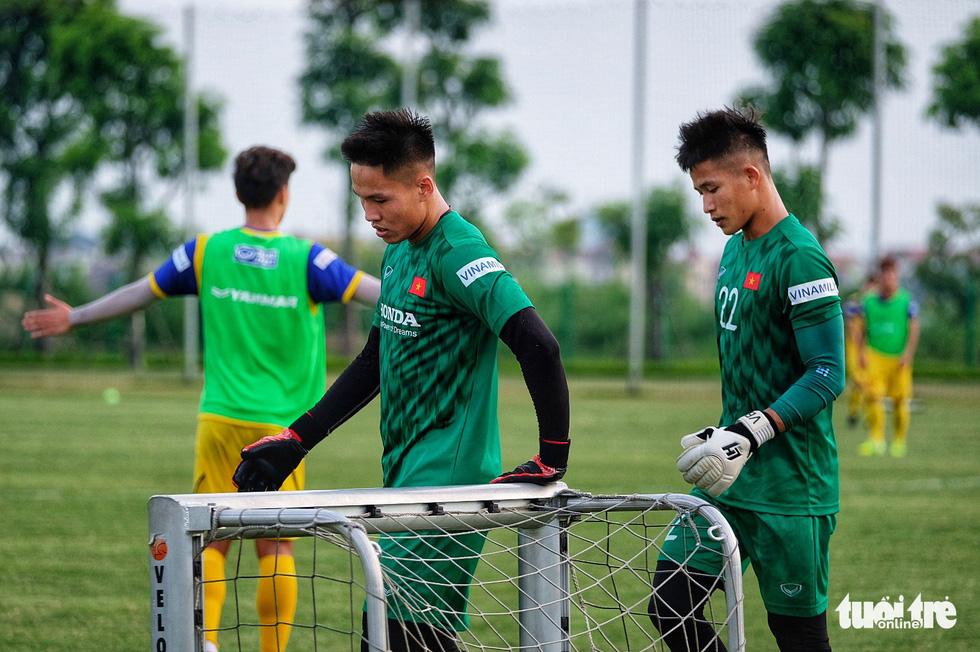 HLV Park Hang-seo hướng dẫn U22 Việt Nam chuẩn bị SEA Games 30 - Ảnh 6.