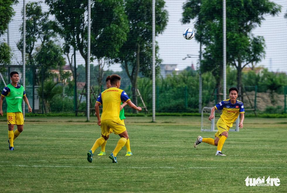 HLV Park Hang-seo hướng dẫn U22 Việt Nam chuẩn bị SEA Games 30 - Ảnh 9.
