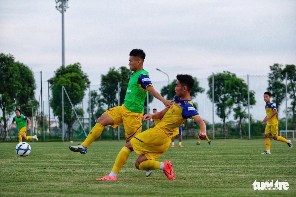 HLV Park Hang-seo hướng dẫn U22 Việt Nam chuẩn bị SEA Games 30 - Ảnh 8.