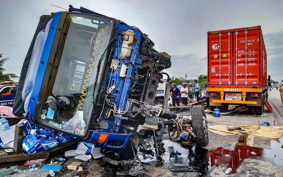 Tai nạn giao thông liên tiếp trên quốc lộ 5: Hiểm họa từ lối mở sang đường - Ảnh 3.