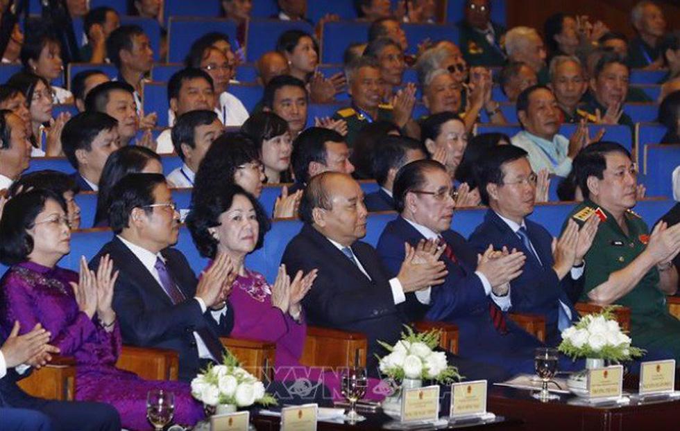 Thủ tướng Nguyễn Xuân Phúc tri ân thương bệnh binh và người có công - Ảnh 3.