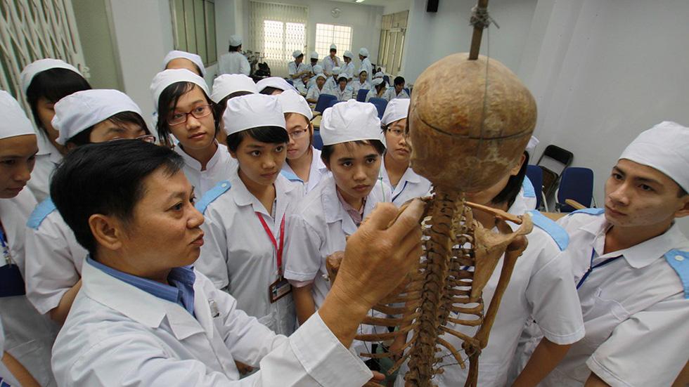 Muốn hành nghề y, phải thi lấy chứng chỉ - Ảnh 1.
