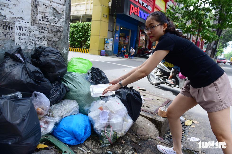 Ăn uống trong nhựa và sống với... rác thải nhựa - Ảnh 5.