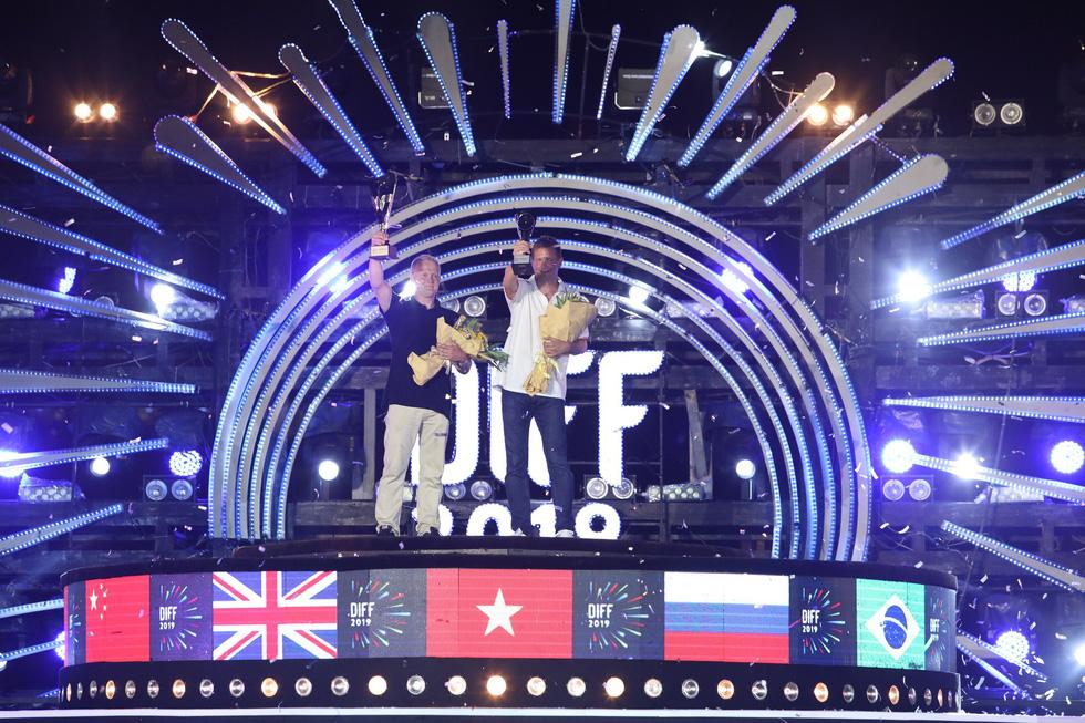 Chung kết pháo hoa: Hành trình ra khơi của Phần Lan giành ngôi quán quân - Ảnh 2.