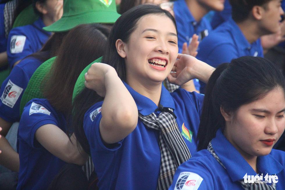 Hàng ngàn bạn trẻ xuất quân Mùa hè xanh 2019 - Ảnh 9.