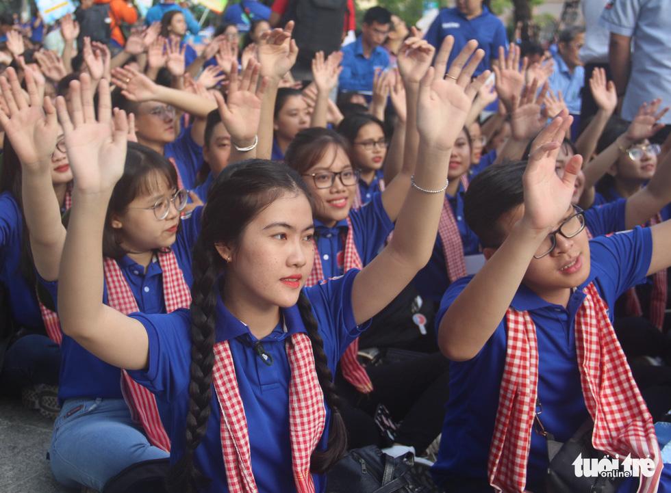 Hàng ngàn bạn trẻ xuất quân Mùa hè xanh 2019 - Ảnh 13.