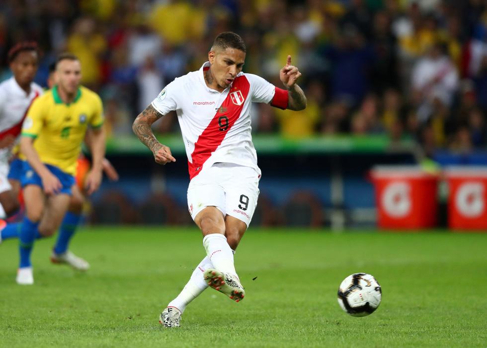 Tuyển Brazil tưng bừng mừng ngôi vương ở Copa America 2019 - Ảnh 2.